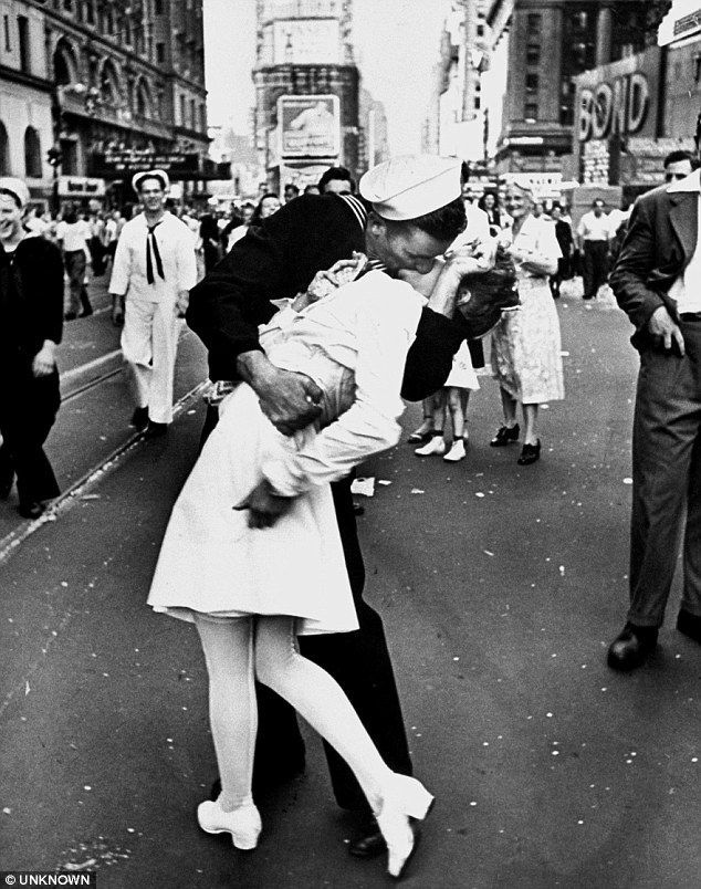 The towering colour sculpture immortalises Alfred Eisenstaedt's black-and-white photograph of an unidentified sailor kissing nurse Edith Shain in 1945..