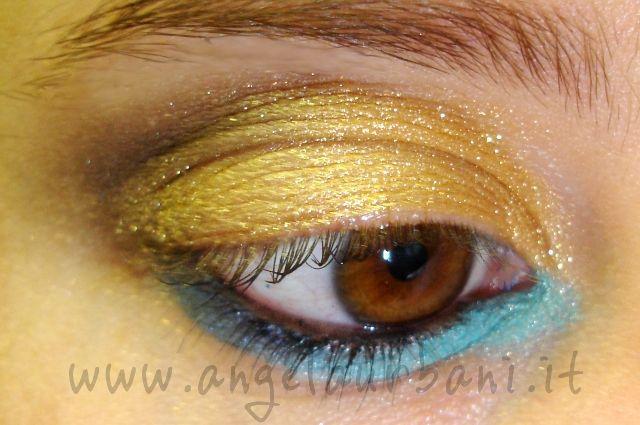 tutorial trucco occhi pelle abbronzata oro blu azzurro Upside Down by *AngyMakeUp*