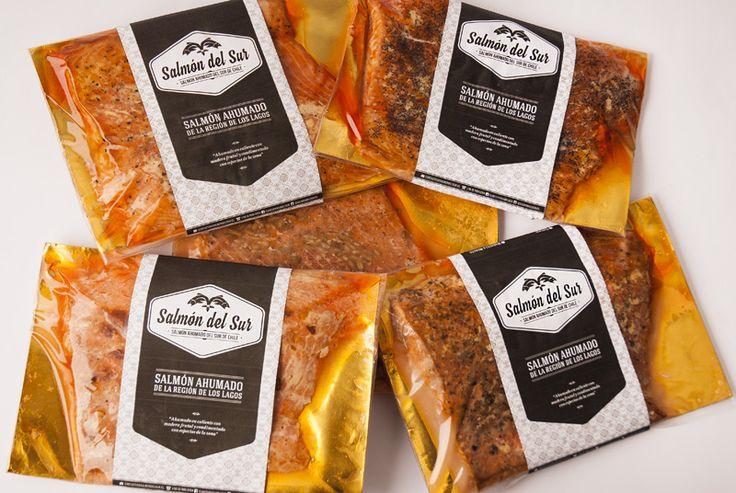 Salmón ahumado en caliente con y sin especias. Filete entero y medio filete. #salmonahumado @salmondelsur salmondelsur.cl