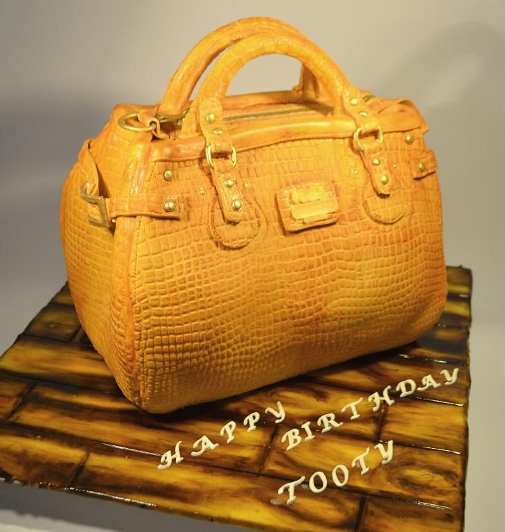 ralph lauren puse cakes | Learn How To Make Purse Cake in Designer Handbag Cakes, on Craftsy!