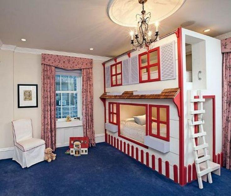 le lit de cette jeune fille semble bien normal pourtant quand la camra dzoom wow cool bunk bedsloft