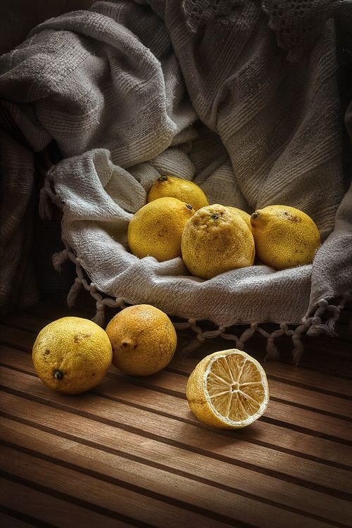 Lemon still - life photograph - Lemons with a vintage feel |