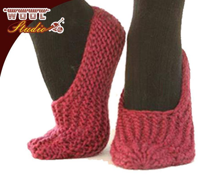 These adorable Drops slippers are very easy to knit and really fun to wear. They use just one basic stitch, making them great for beginners. To view the full pattern- click here: http://ablog.link/33n #TheWoolStudio #Pattern #Slippers