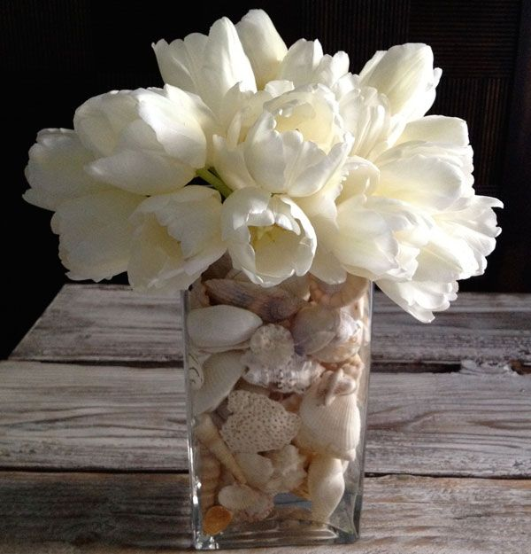 diy centerpiece tulips and seashells