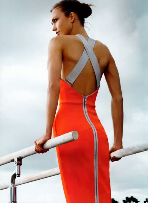 Love the bare back, the zipper detail, the bright colour.