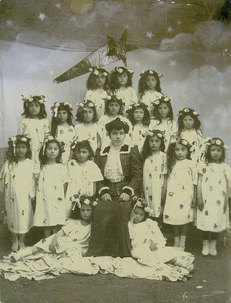 Adana Anaokulu öğrencileri 1903 Noel kutlamaları.. #MerryChristmas  1oda1mutfak.net