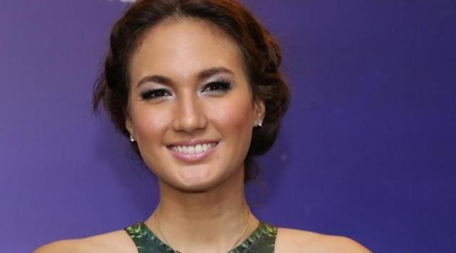 Nadine Chandrawinata Ikut Diperiksa Terkait Kepemilikan Senjata Api Aa Gatot - http://www.rancahpost.co.id/20160960924/nadine-chandrawinata-ikut-diperiksa-terkait-kepemilikan-senjata-api-aa-gatot/