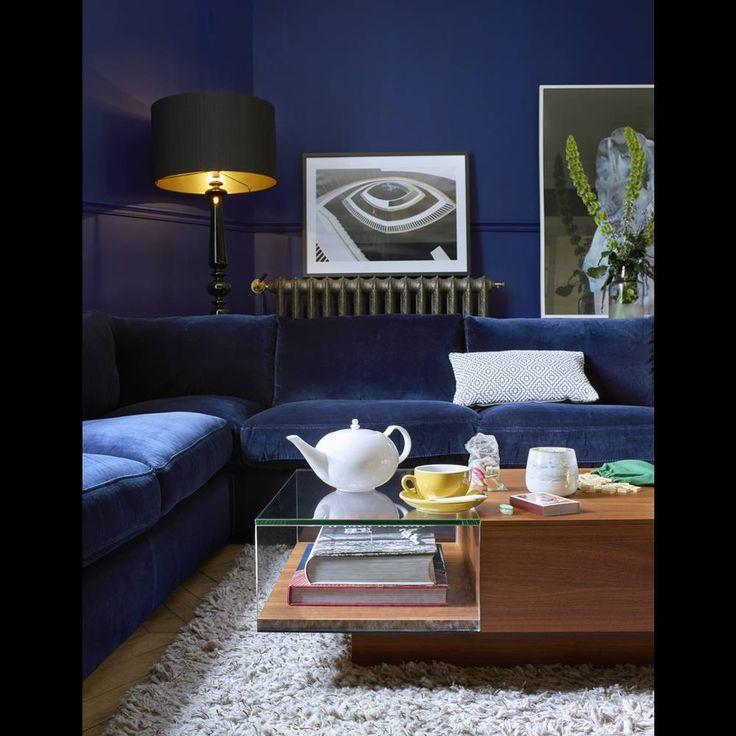 La d coration bleu marine nous inspire et vous elle d coration chambre en 2019 canap - Salon bleu marine ...