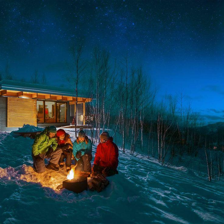 L'hiver au Québec, les activités de plein air, c'est chez nous. Sentiers de ski de fond et de raquette, location de chalets, randonnée, pêche sur glace, sortez jouer!