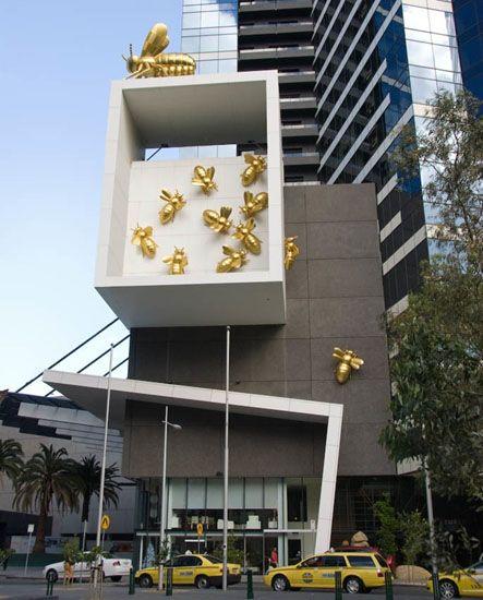 Queen bee sculpture in Melbourne