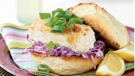 Fish burgers with wasabi coleslaw | Recipe