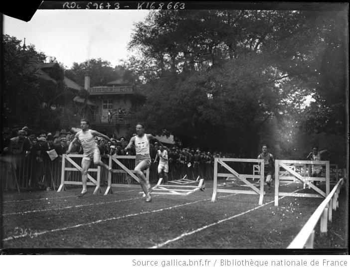 13-6-20, Croix Catelan, prix Blanchet, finale du 110 m haies : [photographie de presse] / [Agence Rol] - 1