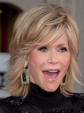 Jane Fonda Fluffy Medium Vlnité Lidské vlasy capless Wig 12 palců