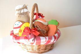 Ya queda poco para Pascua y quería enseñaros una bonita idea que podéis hacer para regalar a vuestros niños o a quien queráis: unas cestitas...