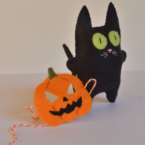 Trick or Treat Cat - by HL Tyler/Ludi