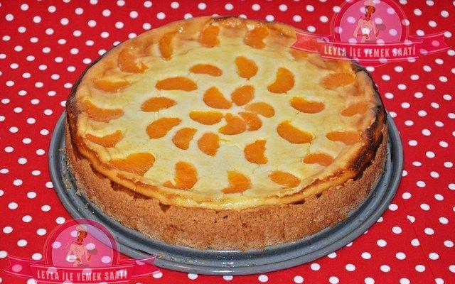 Faule Weiberkuchen-Tembel Kadın Pastası Mandalinalı Pasta Tarifi   Hayırlı Akşamlar Dostlar Bugün sizlere çok kolay vede Lezzetine doyum olmayan harika bir Pasta Tarifi vermek istiyorum.Malzemesi evimizde olan malzemeler ve ben tadına bayıldımmm :)) İnanın yapınca Leylacığım nasıl güzel bir pastaymış bu diyeceksiniz :))) Pasta almanlara ait ve adını türkçeye çeviirnce Tembel Kadın Pastası olarak …