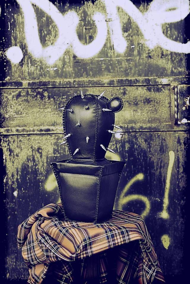 punk_a_cactus! 100% leather/handmade photo_paolarosafotografa