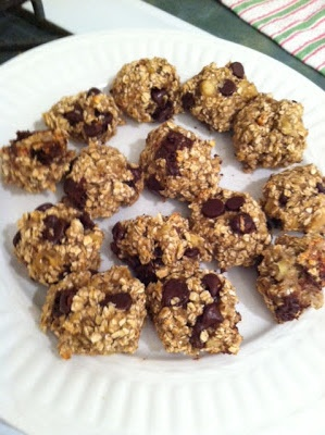 """Healthy, 3 ingredient """"cookies"""":   2 over ripe bananas (mashed)  1 cup quick oats  1/4 cup of ?? (walnuts, chocolate chips, coconut)  Mix together  Bake at 350 for 15 minutes"""