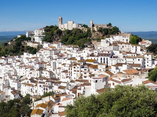 most stunning White Towns in Malaga, Spain Andalucia Spain, Andalusia, Malaga Spain Beach, Holiday Nights, Voyage Europe, Sunny Beach, Travel Wall, Cadiz, Spain Travel