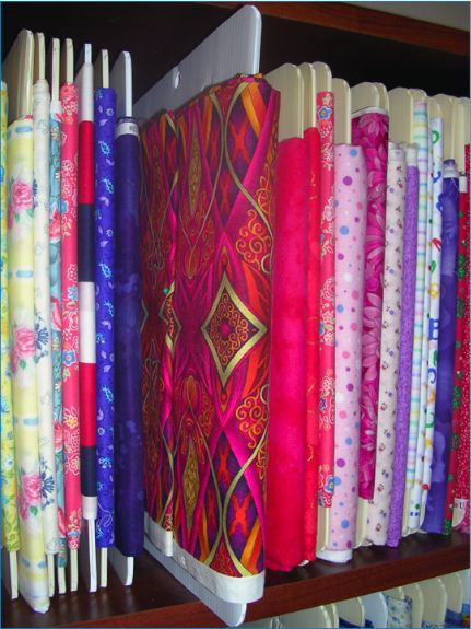 Fabric Organizer: a board with tabs for storing your fabric the way stores do on the shelves ... for my craftroom: Fabrics Storage, Fabrics Organizations, Idea, Crafts Rooms, Fabrics Boards, Stores Fabrics, Organizations Fabrics, Sewing Rooms, Fabrics Stores