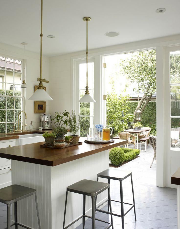 kitchen doors that open to the garden
