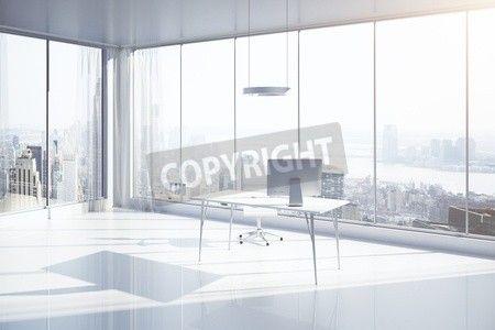 職場、日光とニューヨークでホワイト オフィス インテリアの横顔。3 D レンダリング