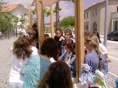 MATRAFONA bonecas de pano     : No dia dos museus mostrando a alunas de uma escola...