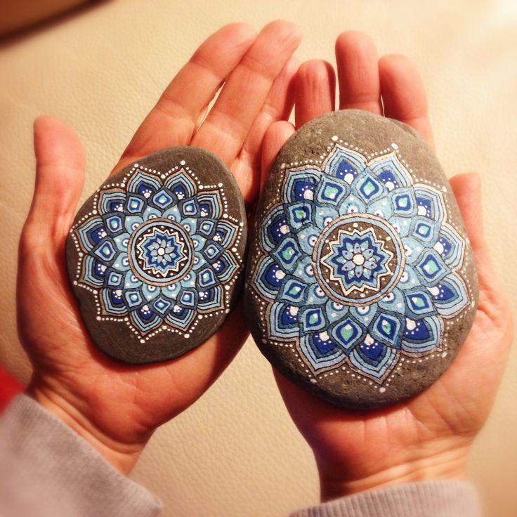 Bajo el influjo de los mandalas piedras pintadas for Pintura para pintar piedras