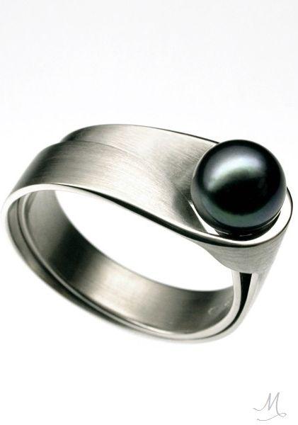 Vincent Van Hees Pearl Ring