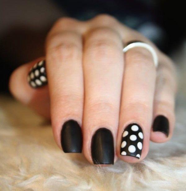 Uñas: Blanco y Negro