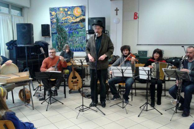 """La scuola primaria """"Sante Tani"""" ospita l'Orchestra Multietnica di Arezzo"""