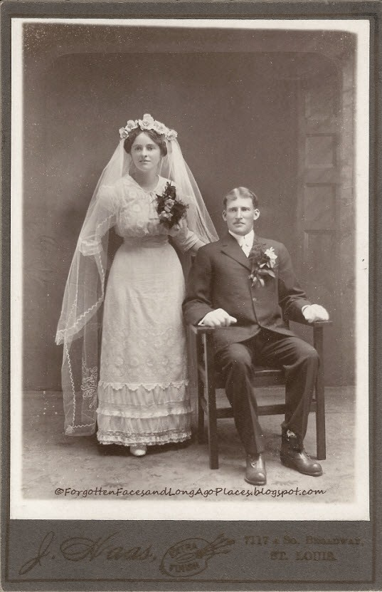 ca 1907 Couple Wedding Day Photo - Forgotten Faces and Long Ago Places: http://forgottenfacesandlongagoplaces.blogspot.com/2012/10/wedding-wednesday-young-1900s-couple.html#