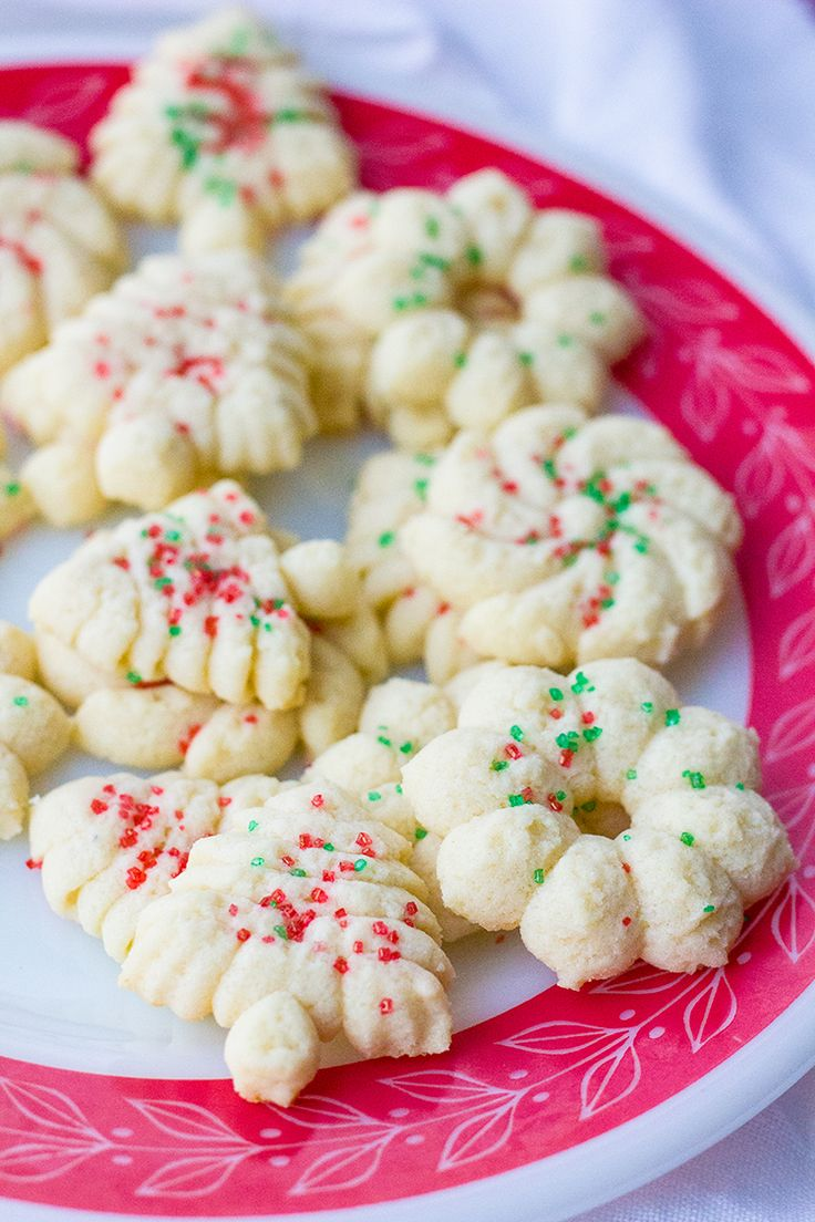Old Fashioned Classic Spritz Cookies from @kitchenmagpie