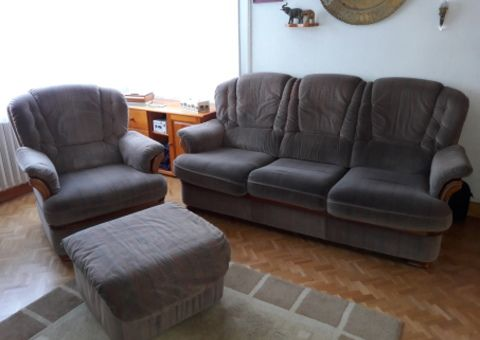 Donne 1 canapé fixe 3 places + 1 fauteuil + pouf