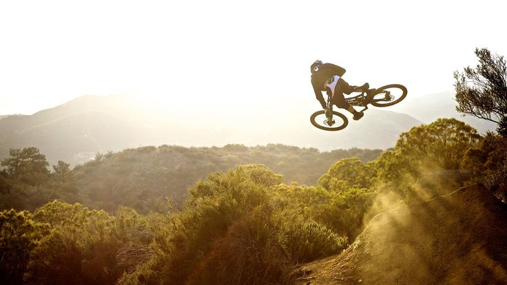 HD Image Downhill Cycling 15 Wallpaper