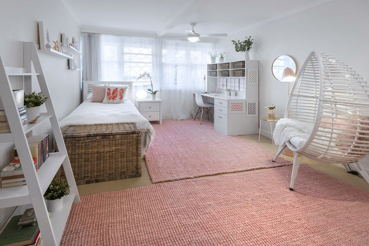 Such a restful, fresh and relaxing haven. Soft pink sisal rugs underfoot are amazing.