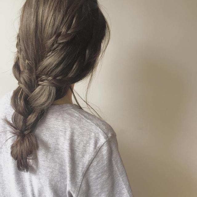 ヘアアレンジヘアスタイル Laulea 編みこみ 無造作 黒髪