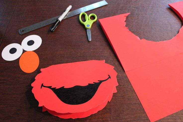 ELMO cut out templates free | Cut out 2.5 inch circles for the eyes with the white card stock and a ...