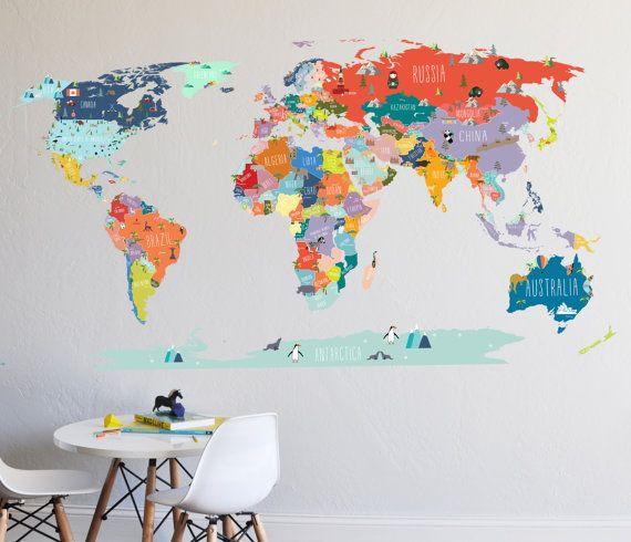Une façon amusante et informative pour aider le familier de gamins devenus avec la carte du monde.  Lensemble de la conception de hauteur h 43 x 78 w  La carte du monde est envoyée en plusieurs morceaux, le plan actuel est envoyer en trois grandes sections.  1. Amérique du Nord, Amérique du Sud, Canada, Groenland, Islande sont une section et ils sont envoyés avec une demande de ruban de transfert.  2. Afrique, Russie, Europe, Australie, etc. est aussi une section envoyée avec une application…