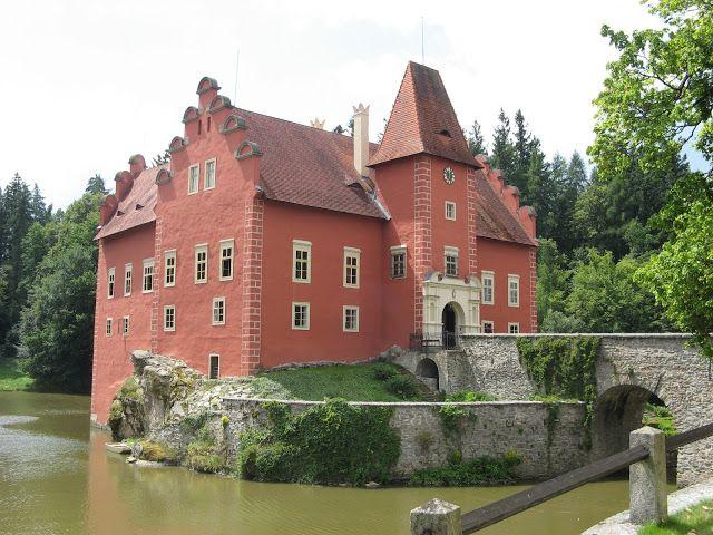 The Goulash Train - A Central and Eastern Europe Travel Guide: Classic Castles # 5 - Červená Lhota, Czech Republic
