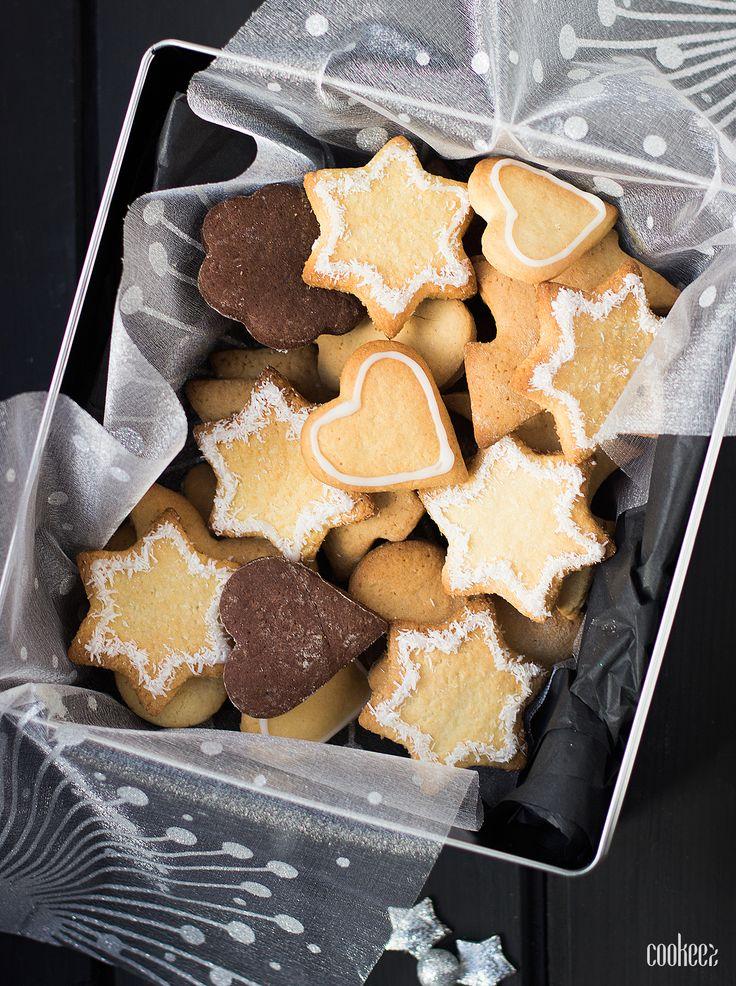 Cookeez : Petits biscuits de Noël • VERDICT : Bons mais pas assez sucrés • Bien croustillants • Dessus pas assez lisse ~ MODIFS : Moins de levure (trop gonflés) • Ajouter du sucre • Bien respecter les 10mn de cuisson
