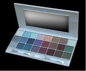 ELIXIR Κασετίνα Σκιών 24 Χρώματα 16HRS No 843 Κασετίνα με 24 σκιές ματιών από την τελευταία collection της ELIXIR με τα πιο μοδάτα χρώματα που διαρκούν ώς και 16 ώρες. Τιμή €8.00