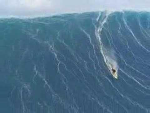 tsunamui real video Tsunami??? Uma onda gigante em Portugal ou Mauí? Os comentários é o que dizem.
