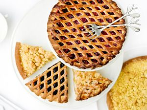 you should really try the Limburgse Vlaai during your stay! NL: http://gr.pn/1g15Wli FR: http://gr.pn/1iseSi3