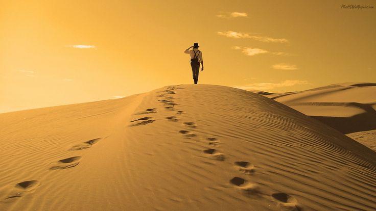Respeitando o nosso livre-arbítrio a vida permite que abandonemos o trilho original para seguirmos caminhos lamacentos, desertos áridos atrás de ilusórios oásis.