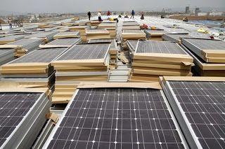 Csekk nélkül napenergiával: A világ megállíthatatlanul halad a napenergia felé...