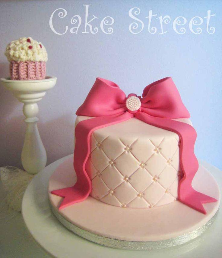 Romantic Bow Cake!