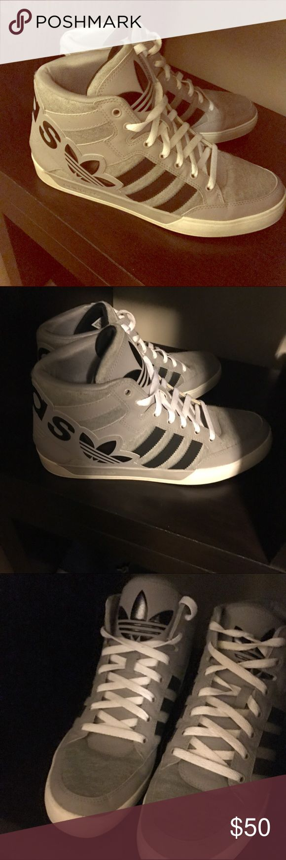 Adidas men's shoes 🎉HP🎉 Like new. Barely worn. Adidas Shoes Sneakers