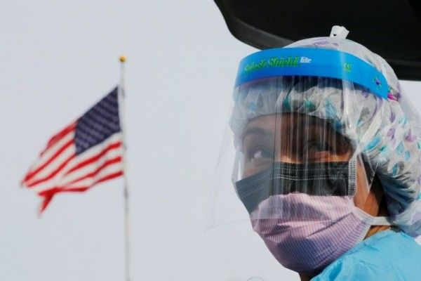 Staf Medis As Dianjurkan Pakai Bandana Jika Tak Ada Masker