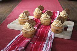 Stroopwafel cupcakes met karamel botercrème
